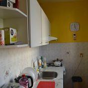 *exkluzívne*3 izbový byt Tomášikova ulica s balkónom na predaj