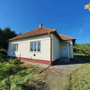 VÝBORNÁ PONUKA! Predáme priestranný 4-izbový rodinný dom v obci Melek