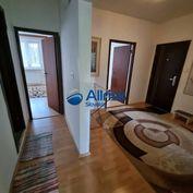NA PREDAJ - Priestranný 3 izbový byt s lodžiou na Furdekovej ulici v Petržalke