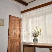 ZNÍŽENÁ CENA!Na predaj starší rodinný dom, 170m2, Smolenice, okr. Trnava.