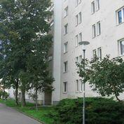 OLYMP - 1,5 izbový byt s veľkou loggiou v pôvodnom stave na Polárnej ul. v Ružinove