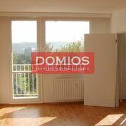 Predaj 1-izb. bytu nad St. nemocnicou (46,24 m2, 4/8, OV, loggia, špajza, pivnica, výťah, parking)