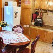 Tehlový nadštandardne veľký 2-izbový byt ul. Letná, 82 m² + balkón.