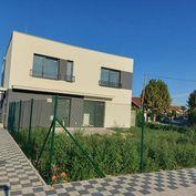 Ponúkame na predaj 3 izbovú NOVOSTAVBU rodinného domu v ŠTANDARDE v Ivanke pri Dunaji.