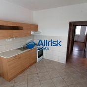 Trojizbový byt na sídlisku Kopanice v Prievidzi.