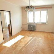 Slnečný trojizbový byt v pôvodnom stave na Okružnej ulici na Fončorde
