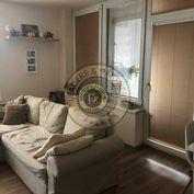 Slnečný 3 - izbový byt - Ružinov - RETRO
