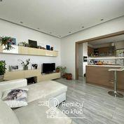 Na prenájom zariadený 3-izbový byt s loggiou vo vyhľadávanej lokalite JUH