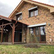 Directreal ponúka Nadštandardný 5 izbový rodinný dom - sauna - jacuzzi