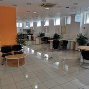 Ponúkame  na  prenájom  kancelárske  priestory  v  centre  Trenčína  o  rozlohe  279m2.