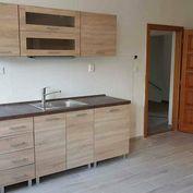 REB.sk Ponúkame na prenájom 2 garsónky 21 m2 a 32 m2 na Dunajskej
