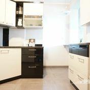 Predaj 2 izbový byt Jelenecká + garážové státie