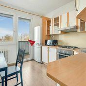 VIDEO, 4 izbový byt v blízkosti Starého Mesta na Röntgenovej – Bratislava V