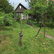 Predáme v Miloslavove záhradu s rekreačnou chatou.