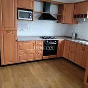 Na predaj je 3-izbový byt v Záturčí o rozlohe 76 m2.