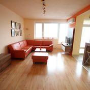 Krásny 4-izbový byt s klimatizáciou a garážovým státím, Stromová ul.