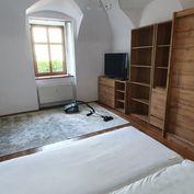 Krásny 1,5 izbový byt so záhradkou na prenájom