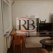 Na prenájom slnečný 2-izbový byt na Riazanskej ulici v lokalite Bratislava – Nové Mesto