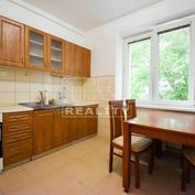 Na predaj 3-izbový byt, Štúrova ulica, NITRA, 78 m2