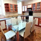 Rezervovaný 111 m2 3 izbový tehlový byt Palackého ulica Staré Mesto