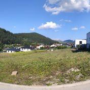 Stavebný pozemok v Budatíne so stavebným povolením