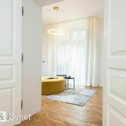 Arvin & Benet ponúka na predaj citlivo zrekonštruovaný byt v Staromestkom štýle
