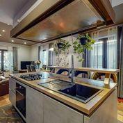 Predaj 5-izbový rodinný dom s 3-izbovou prístavbou a garážou, pozemok 588 m2, Račianska ul., Bratisl
