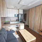 REZERVOVANÉ- Slnečná garsónka, 23 m2 + loggia, Kurská, Rekonštrukcia
