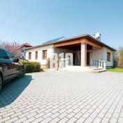 Krásny 4i rodinný dom s bazénom v prímestskej časti Nitry - Dolné Krškany