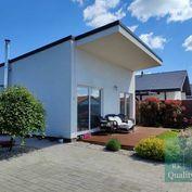 PREDAJ - SENEC Gardens - nízkoenergetický zariadený 3 izbový RD s terasou na 313 m2 pozemku - v Senc