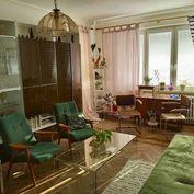 Directreal ponúka Na predaj 4 izbový byt na ul.Čsl.Parašutistov, Nové Mesto, 2x loggia, výborná orie