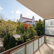 Na predaj 3 izbový byt s možnosťou prerobenia na 4 izbový vo výnimočnej lokalite Palisád s výhľadom