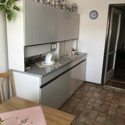 2 izbový byt. Záhradná ul. Pezinok s výmerou 55,94 m²