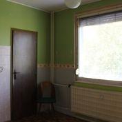 2 izbový byt Klinčeková s balkónom - Komárno