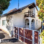 Arvin & Benet   Vzdušný rodinný dom v pokojnej časti Prievozu