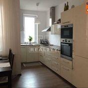 Priestranný 3 izbový byt s balkónom v Piešťanoch, 73m2