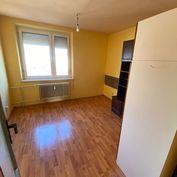4-izbový byt v tichej lokalite, balkón, komora