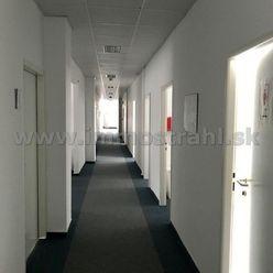 Kancelárske priestory od 20 m2 na prenájom v budove LUXOR na Štúrovej ulici v Bratislave