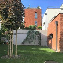 BEZ PROVÍZIE, Exkluzívny prenájom 4 izbový byt, Bárdošová, Kramáre, Nové mesto