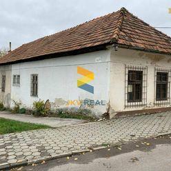 JKV REAL   Rodinný dom vhodný na rekonštrukciu OSLANY