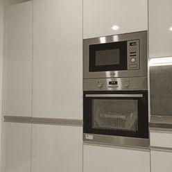 FOX - EXKLUZÍVNE * 3 izbový byt * J. Slottu * moderná rekonštrukcia * vyhľadávaná lokalita * veľká v