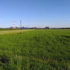 Ponúkame Vám na predaj pozemky - zmiešaná zóna Košice-Šaca,  Buzinská.  Plocha: pozemku 13414m2. Cen