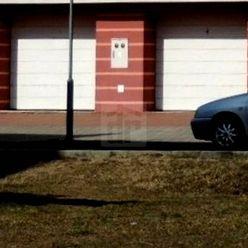 Directreal ponúka Na predaj murovaná garáž o ploche 18,40 m2 vo výbornom stave, so vstupnou bránou n