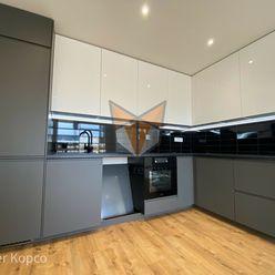 FOX - EXKLUZÍVNE * 4 izbový byt * PREDNÁDRAŽIE * kompletná, nová rekonštrukcia * klimatizácia