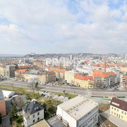Pekný 2i byt, NOVOSTAVBA, TERASA, KLÍMA, PARKING, Výhľad na BRAT.HRAD, SKY PARK