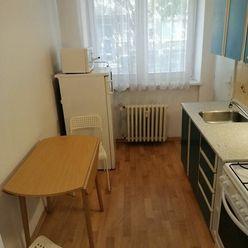 Prenájom 1 - izb. tehlového bytu na Svätoplukovej ul., 40 m2