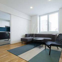 Štýlový svetlý 2i byt s balkónom v Novom meste