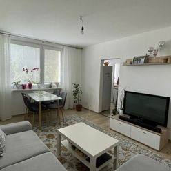 Pekný 3 izbový byt po rekonštrukcii v blízkom centre mesta na ul. A.Kubinu.