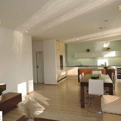 Prenájom 5 izb. luxusneho mezonetového bytu v Petržalke, Lužná ulica.