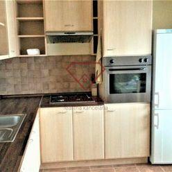 Na predaj pekný podkrovný byt v Seredi.